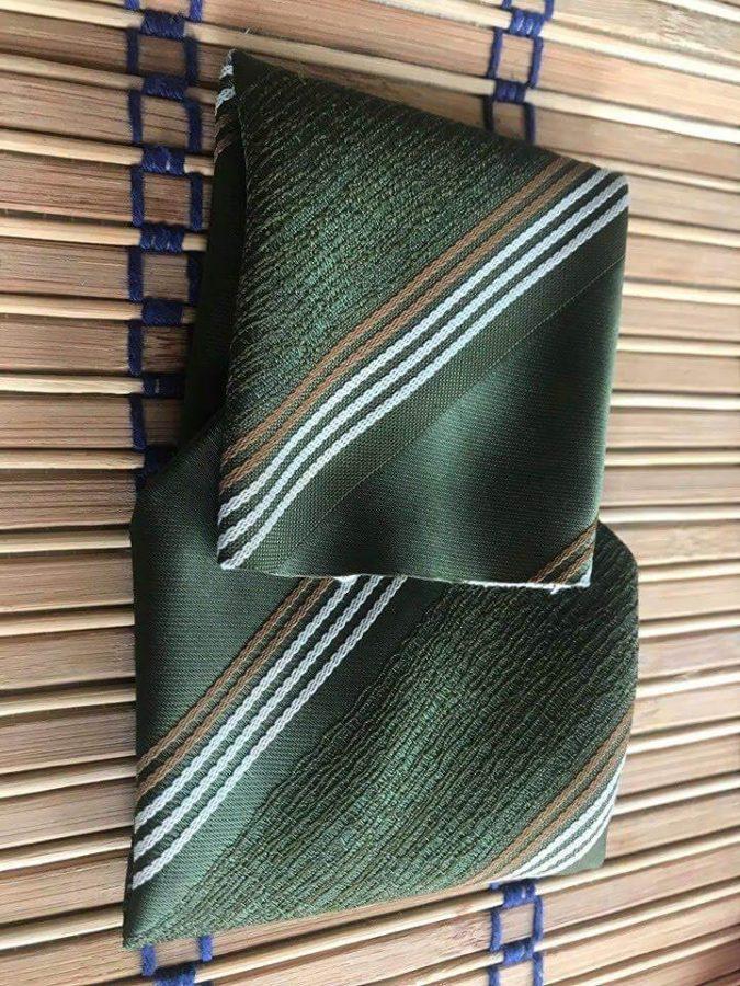 prešitá kravata