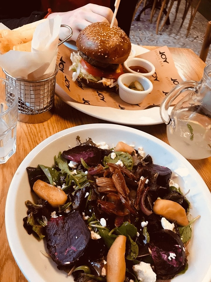 obed praha burger