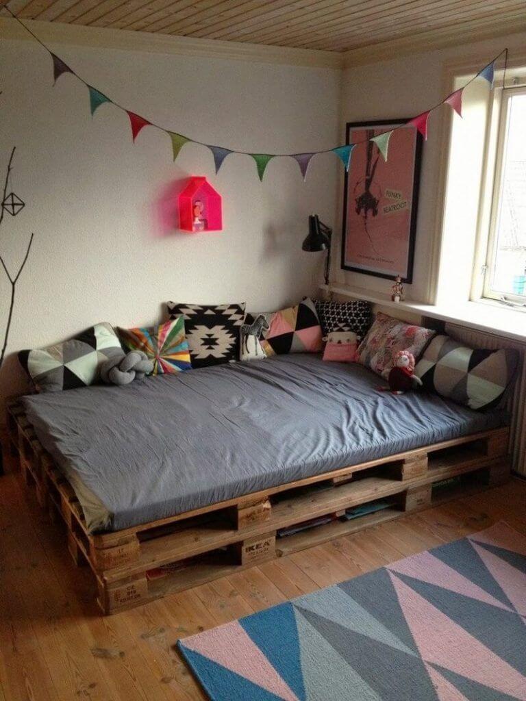 detská posteľ z paliet