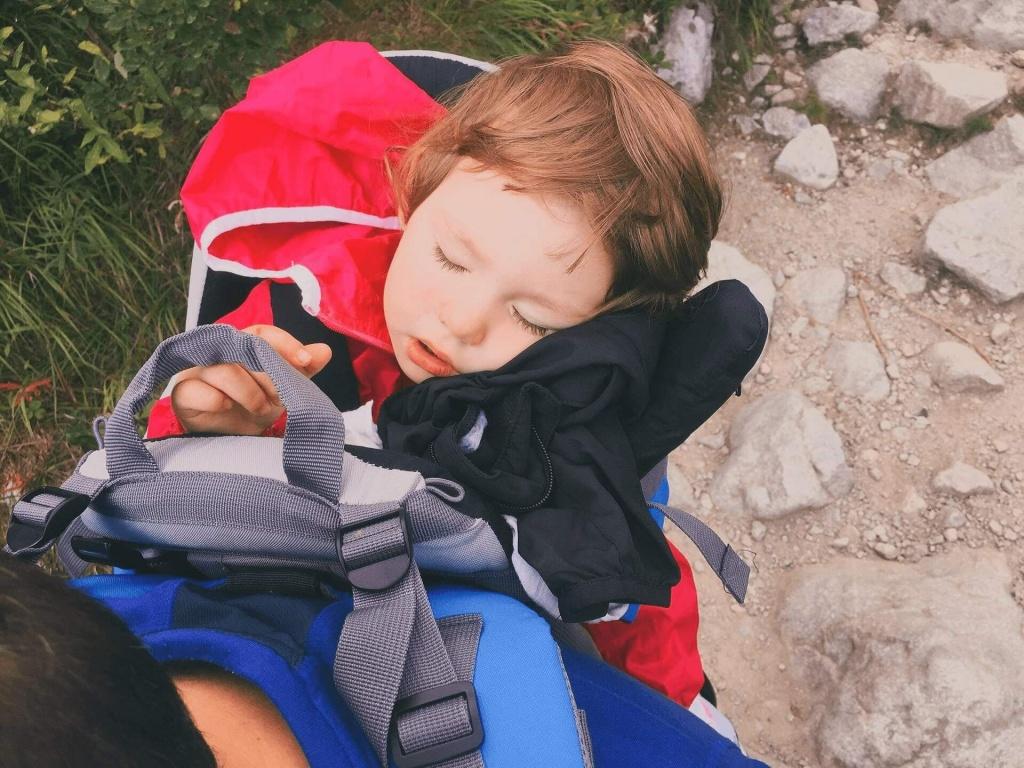 výlet s dieťaťom v nosidlách
