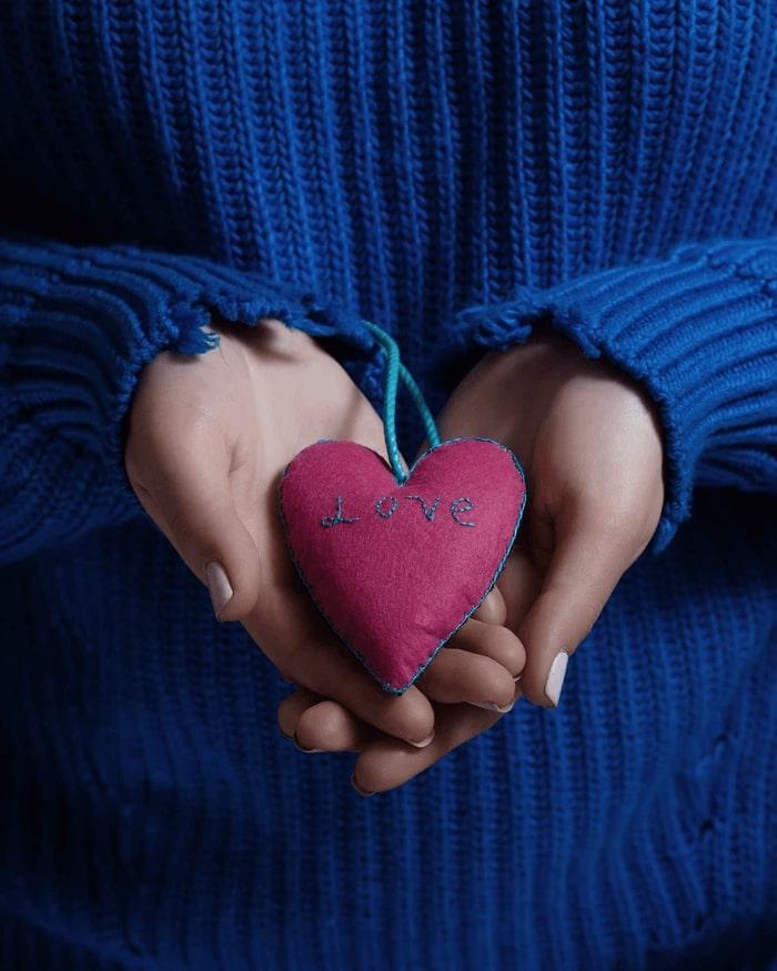 ušitá Vianočná ozdoba v tvare srdca